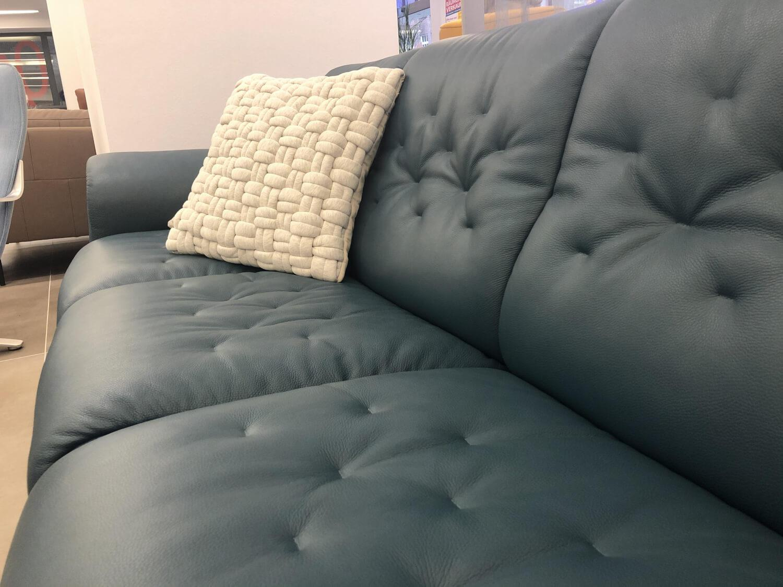 Auf 3 Sofas