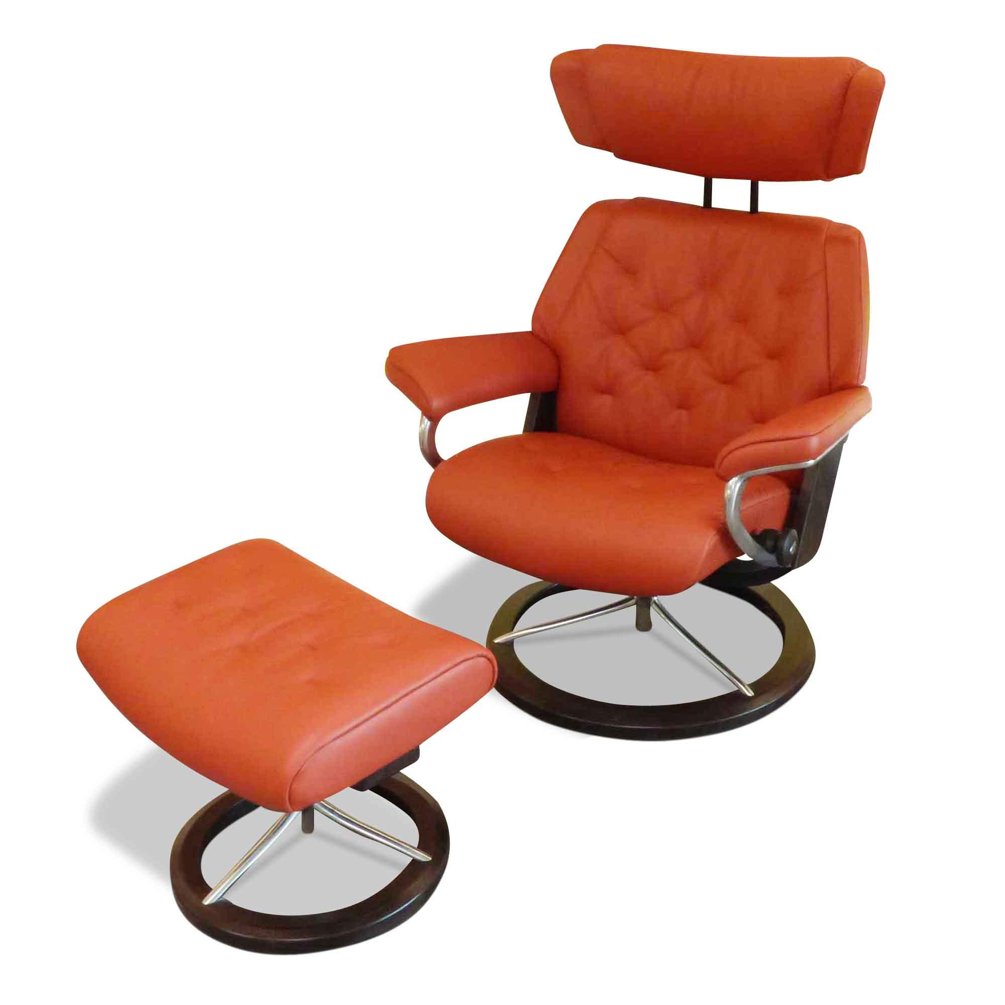 stressless designer sessel skyline m mit hocker rot. Black Bedroom Furniture Sets. Home Design Ideas