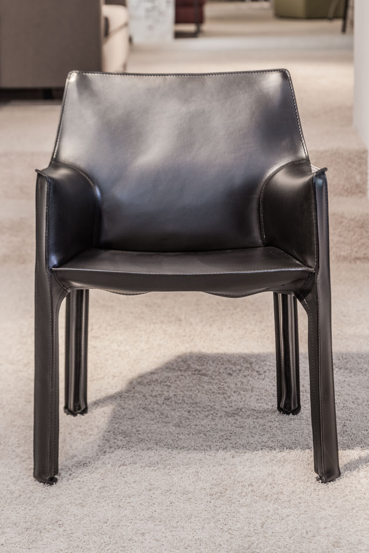 Stuhl Cab Leder Schwarz – Cassina – Stühle – Günstig